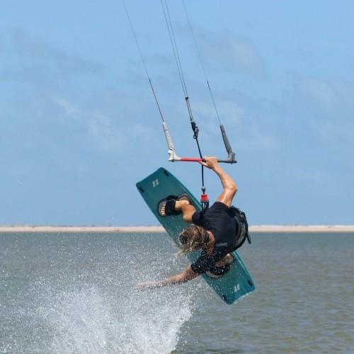 Hand Drag to Blind Kitesurfing Technique
