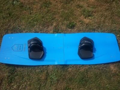 Kitelement Revolt Blue LW 150 x 45cm 2020 Kitesurfing Review
