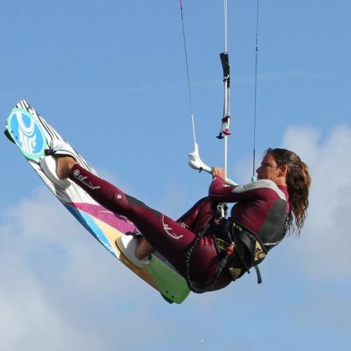 Jump with Tweaked Boned Grab Kitesurfing Technique