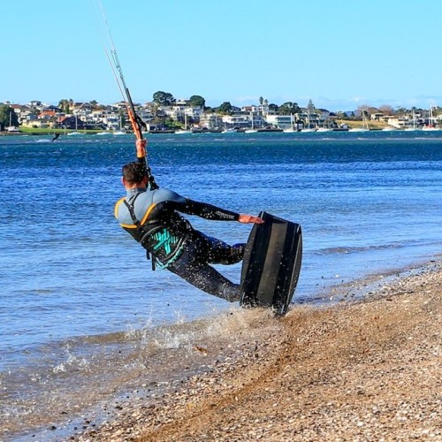 Auckland Kitesurfing Holiday and Travel Guide