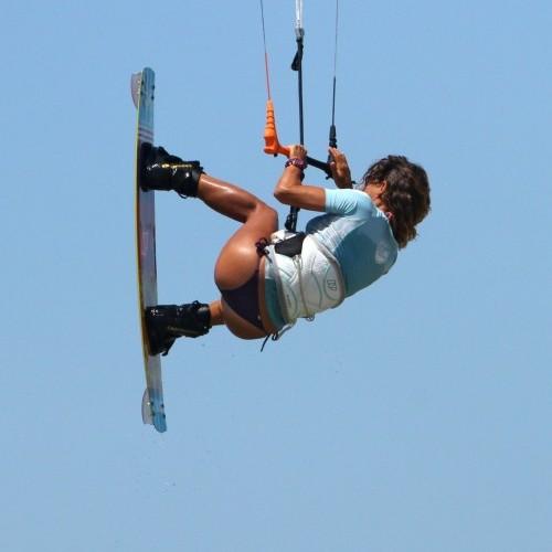Inverted Boned Tail Grab Kitesurfing Technique