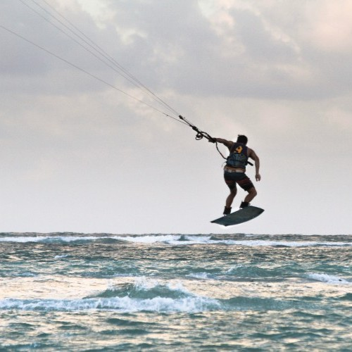 Maui Kitesurfing Holiday and Travel Guide