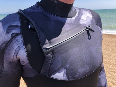 ION Products Onyx Amp Semi Dry Front Zip 2020 Kitesurfing Review