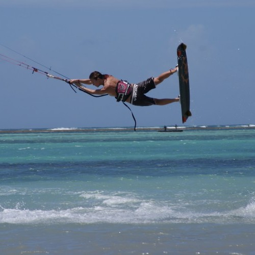 Diani Beach Kitesurfing Holiday and Travel Guide