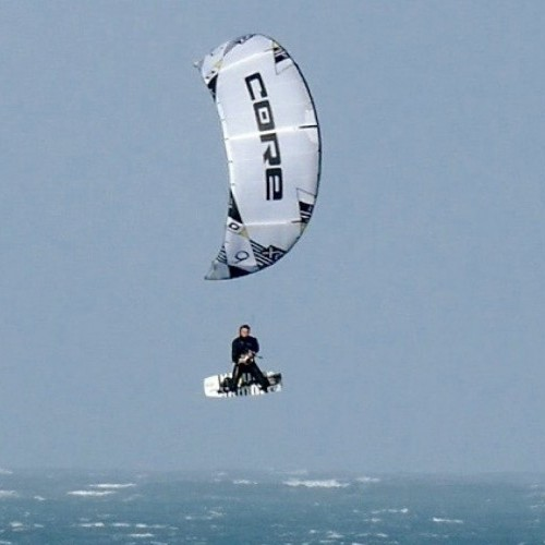Cornwall Kitesurfing Holiday and Travel Guide