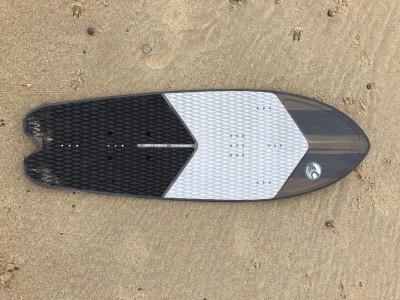 Cabrinha Double Agent 135 x 46cm 2020 Kitesurfing Review