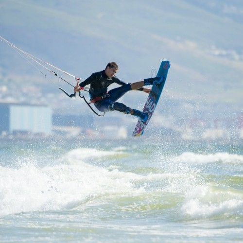 Cape Town Kitesurfing Holiday and Travel Guide
