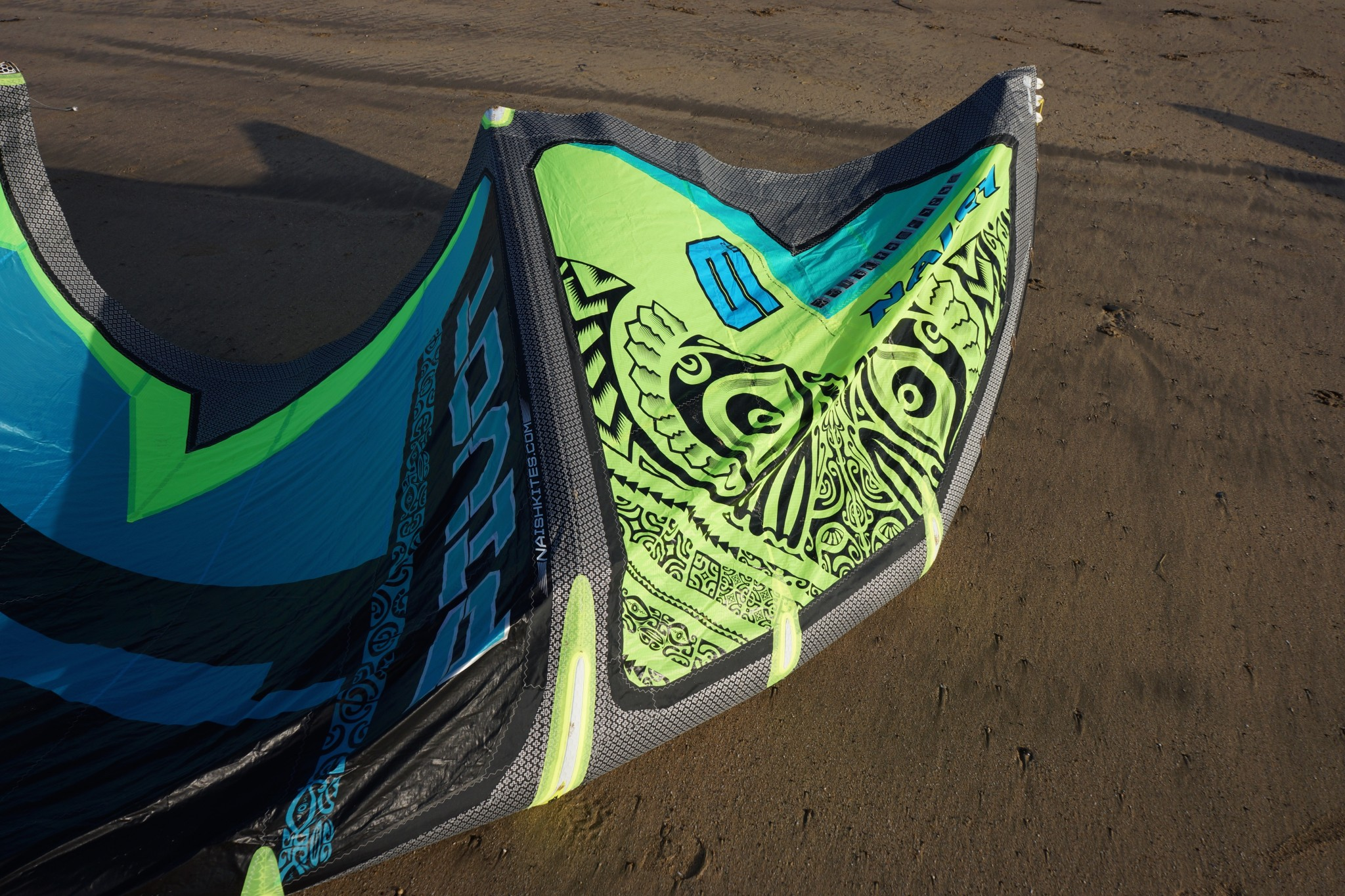 naish pivot wind range