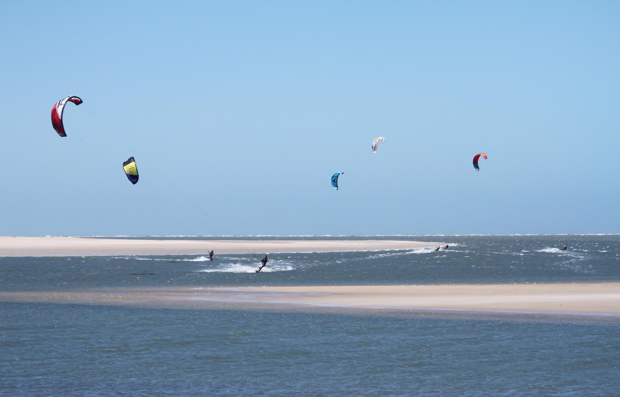 Resultado de imagem para kitesurf na praia de Atins